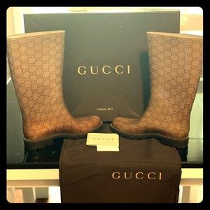 Authentic Gucci Rain Boots w/dust bag and box